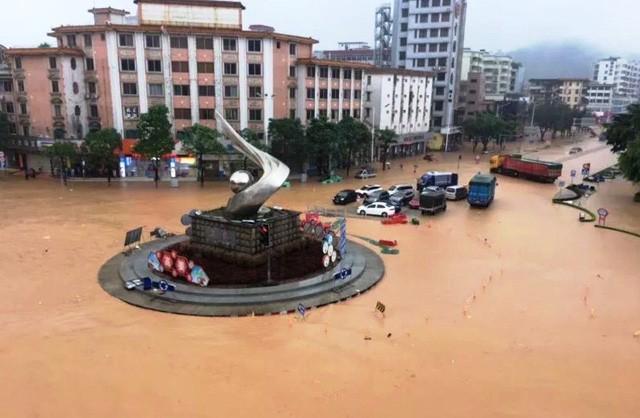 Bão Ewiniar gây thiệt hại nặng nề tại Trung Quốc - Ảnh 2.