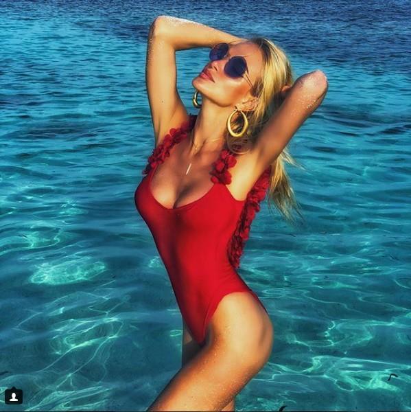Hoa hậu Nga là đại sứ World Cup 2018: Thân hình bốc lửa, tình trường phong phú - Ảnh 2.