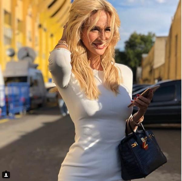 Hoa hậu Nga là đại sứ World Cup 2018: Thân hình bốc lửa, tình trường phong phú - Ảnh 8.