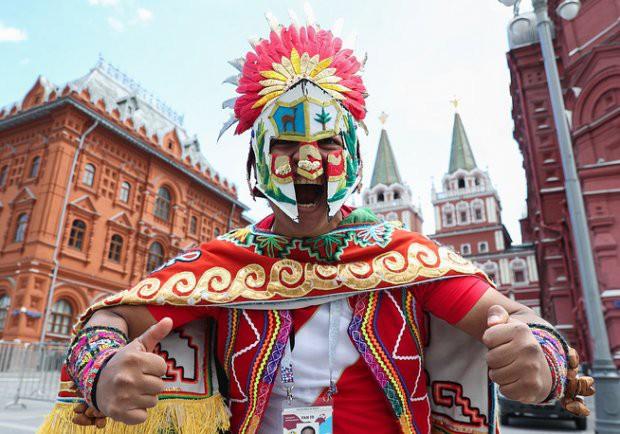 Tất cả đã sẵn sàng đón giờ G World Cup, CĐV tràn ngập Moscow cổ vũ đội tuyển - Ảnh 1.
