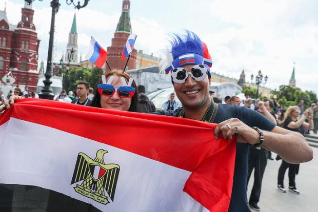 Tất cả đã sẵn sàng đón giờ G World Cup, CĐV tràn ngập Moscow cổ vũ đội tuyển - Ảnh 4.