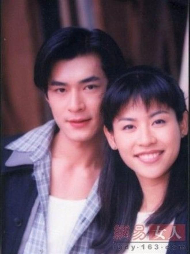 """Những """"cặp đôi vàng"""" của TVB: Không thành đôi ngoài đời thực vẫn thừa sức đi vào huyền thoại trong lòng """"mọt"""" phim  - Ảnh 2."""