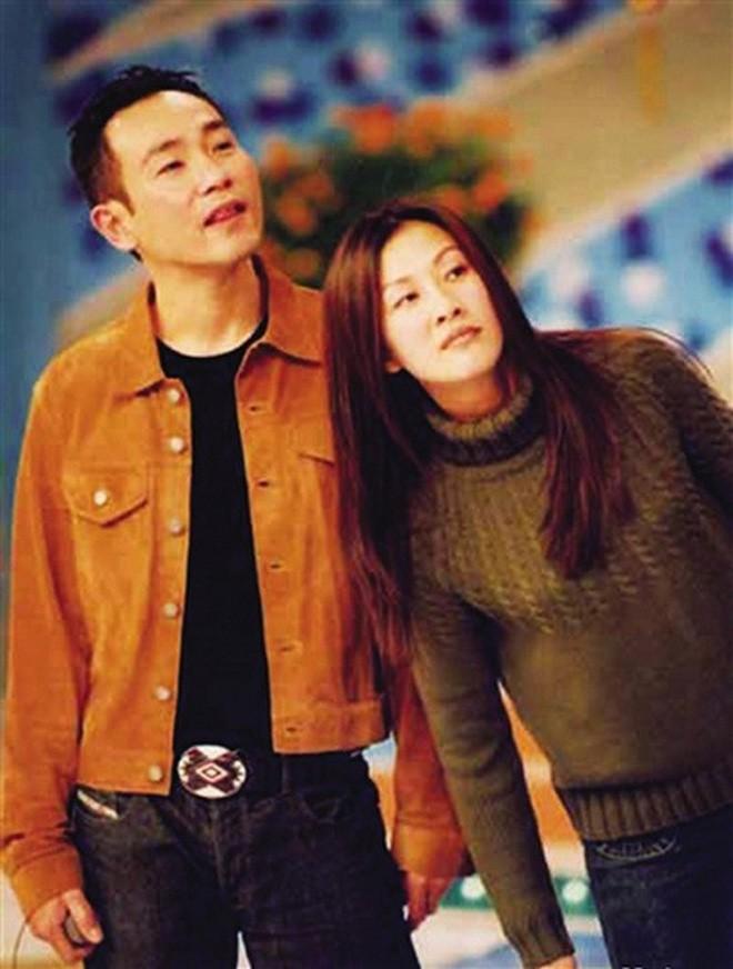 """Những """"cặp đôi vàng"""" của TVB: Không thành đôi ngoài đời thực vẫn thừa sức đi vào huyền thoại trong lòng """"mọt"""" phim  - Ảnh 14."""