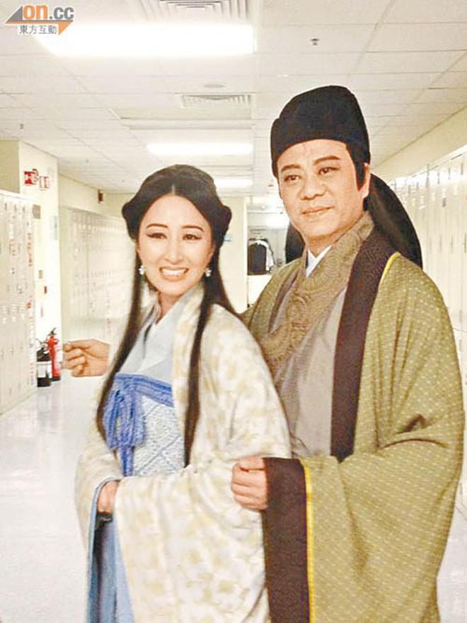 """Những """"cặp đôi vàng"""" của TVB: Không thành đôi ngoài đời thực vẫn thừa sức đi vào huyền thoại trong lòng """"mọt"""" phim  - Ảnh 5."""