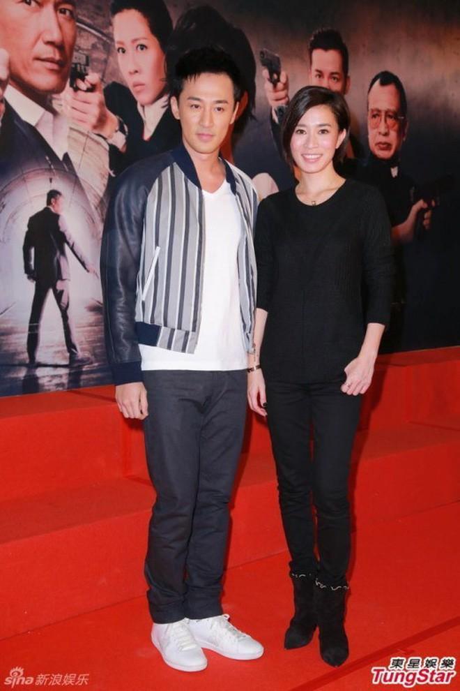 """Những """"cặp đôi vàng"""" của TVB: Không thành đôi ngoài đời thực vẫn thừa sức đi vào huyền thoại trong lòng """"mọt"""" phim  - Ảnh 10."""