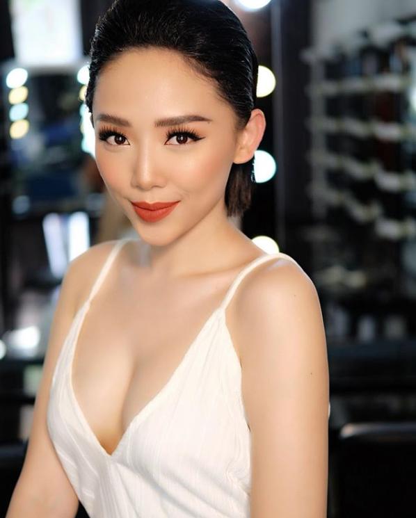 Tóc Tiên khoe thân hình nóng bỏng, đẹp từng centimet với bikini - Ảnh 11.