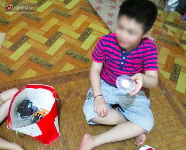 Cuộc sống của bé trai 10 tuổi bị bố và mẹ kế bạo hành đến rạn sọ não ở Hà Nội giờ ra sao? - Ảnh 2.