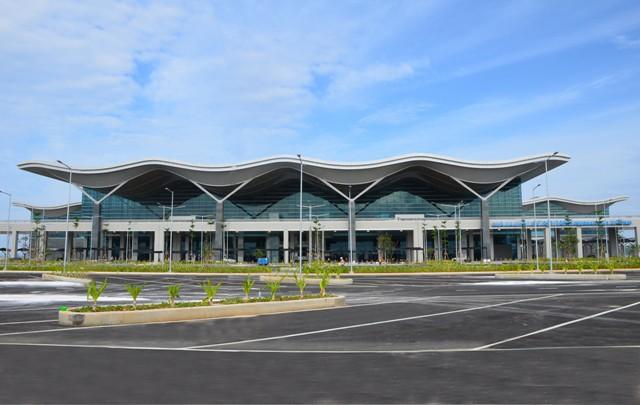Cận cảnh Nhà ga quốc tế Cam Ranh thông minh và hiện đại nhất Việt Nam trị giá gần 4.000 tỷ đồng - Ảnh 1.