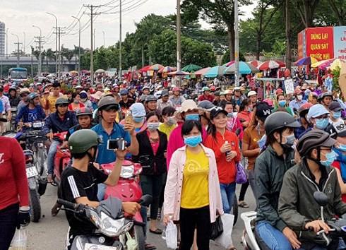 TP HCM không để công nhân bị kích động tham gia tụ tập, gây rối  - Ảnh 1.