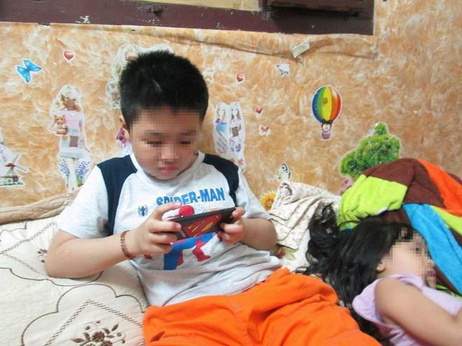 Cuộc sống của bé trai 10 tuổi bị bố và mẹ kế bạo hành đến rạn sọ não ở Hà Nội giờ ra sao? - Ảnh 3.