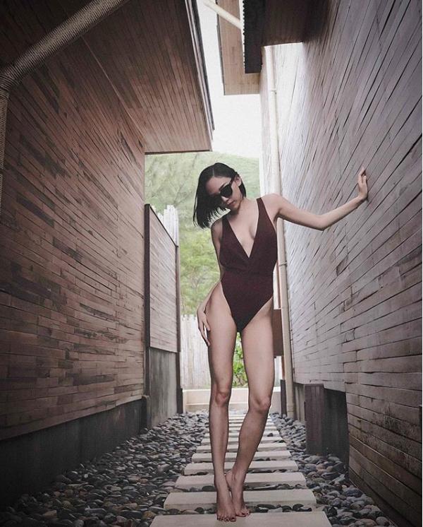 Tóc Tiên khoe thân hình nóng bỏng, đẹp từng centimet với bikini - Ảnh 2.