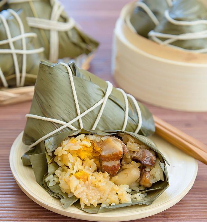 Không phải cơm rượu, bánh ú, đây là món bánh không thể nào thiếu trong mâm cỗ cúng Tết Đoan ngọ của người Trung Quốc - Ảnh 8.