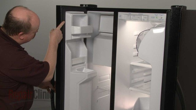 Chỉ cần nhét một tờ giấy vào khe cửa tủ lạnh, bạn có thể tiết kiệm tiền điện đáng kể cho nhà mình ngay tháng này - Ảnh 2.