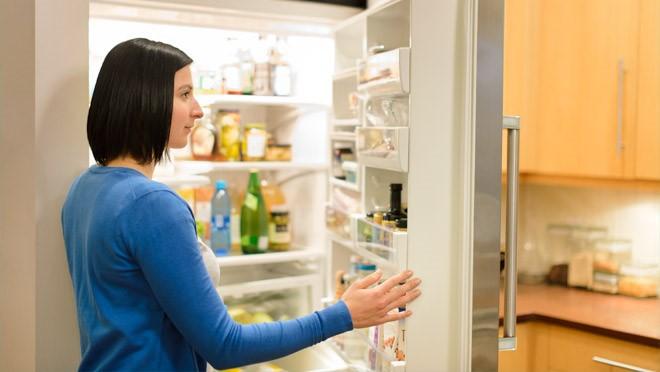 Chỉ cần nhét một tờ giấy vào khe cửa tủ lạnh, bạn có thể tiết kiệm tiền điện đáng kể cho nhà mình ngay tháng này - Ảnh 5.