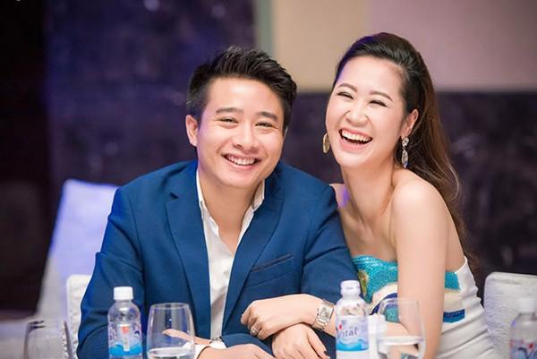 Chân dung ông xã đại gia, điển trai khiến Hoa hậu Dương Thùy Linh phải chủ động tán tỉnh - Ảnh 2.