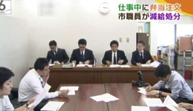 Lãnh đạo công ty Nhật cúi người xin lỗi vì nhân viên 64 tuổi bỏ việc 3 phút đi ăn trưa gây tranh cãi - Ảnh 2.