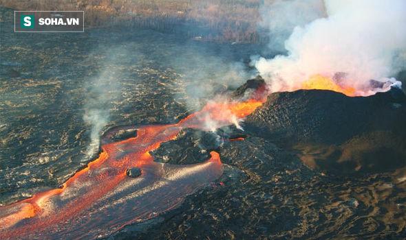 Sau khi hút gần sạch nước hồ, núi lửa ở Hawaii có nguy cơ gây tai họa mới - Ảnh 2.