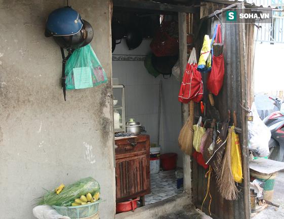 Cụ già bán chuối chiên nuôi chồng bại liệt: Có ít tiền thì sống theo cách của người ít tiền - Ảnh 5.