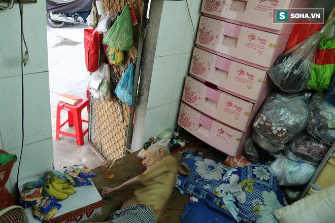 Cụ già bán chuối chiên nuôi chồng bại liệt: Có ít tiền thì sống theo cách của người ít tiền - Ảnh 4.