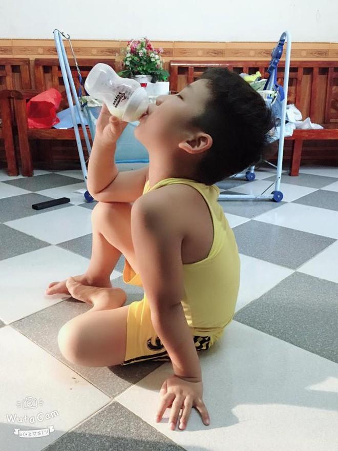 Gần như mất sữa hoàn toàn, bà mẹ đã kích sữa thành công để thừa sữa cho cả 2 con bú - Ảnh 7.