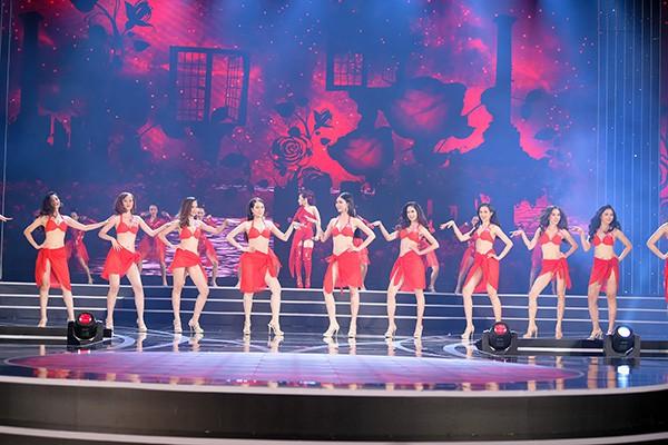 Chung khảo phía Nam Hoa hậu Việt Nam: Trưởng giám giảo vắng mặt, thí sinh nóng bỏng với bikini - Ảnh 12.