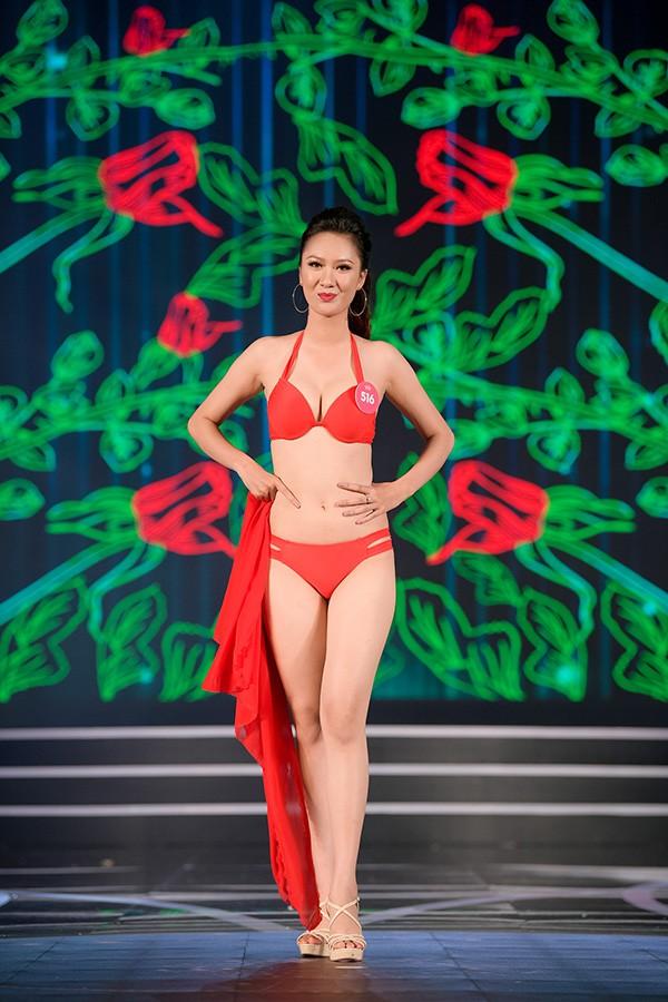 Chung khảo phía Nam Hoa hậu Việt Nam: Trưởng giám giảo vắng mặt, thí sinh nóng bỏng với bikini - Ảnh 21.