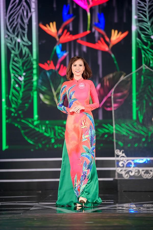 Chung khảo phía Nam Hoa hậu Việt Nam: Trưởng giám giảo vắng mặt, thí sinh nóng bỏng với bikini - Ảnh 9.