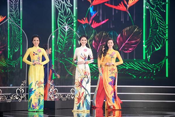 Chung khảo phía Nam Hoa hậu Việt Nam: Trưởng giám giảo vắng mặt, thí sinh nóng bỏng với bikini - Ảnh 7.