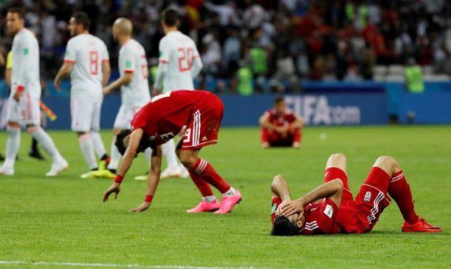 Công nghệ VAR đang góp phần giết chết thứ bóng đá cảm xúc - Ảnh 2.