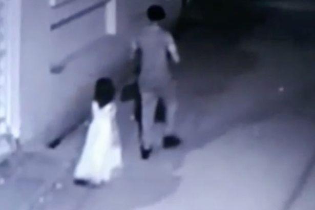 Bị kẻ lạ dụ dỗ đi mua kem, bé gái Ấn Độ bị cưỡng hiếp và sát hại đến biến dạng khuôn mặt - Ảnh 1.
