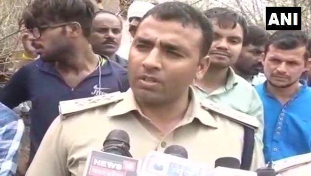 Bị kẻ lạ dụ dỗ đi mua kem, bé gái Ấn Độ bị cưỡng hiếp và sát hại đến biến dạng khuôn mặt - Ảnh 2.