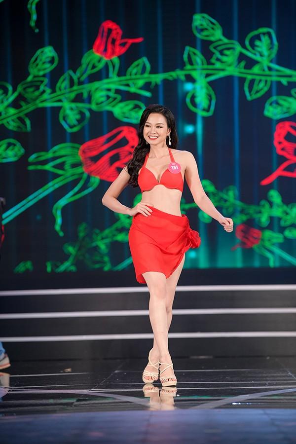 NÓNG: Phát hiện lỗi sai khó tin về 5 người đẹp thi bikini Chung khảo phía Nam Hoa hậu Việt Nam - Ảnh 8.