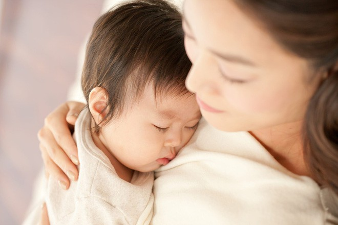 Bất cứ ai ngủ với trẻ trước 3 tuổi sẽ quyết định tính cách cả đời của chúng, các mẹ đừng xem nhẹ! - Ảnh 3.