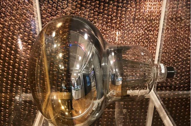 Ẩn sâu 1000m dưới đất, cỗ máy săn loại hạt có thể xuyên qua lớp thép dày 100 năm ánh sáng - Ảnh 4.