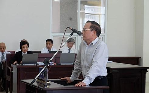 Những điểm đáng chú ý tại phiên xử ông Đinh La Thăng vụ PVN mất 800 tỉ - Ảnh 1.