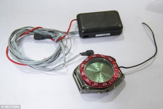 Những thiết bị gian lận thi cử tinh vi như của điệp viên tại Trung Quốc - Ảnh 1.