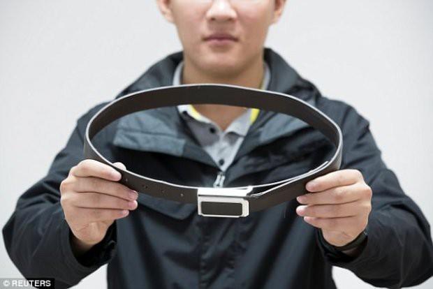 Những thiết bị gian lận thi cử tinh vi như của điệp viên tại Trung Quốc - Ảnh 2.