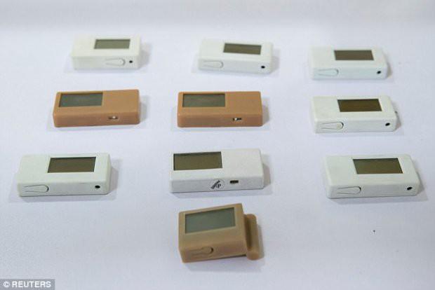 Những thiết bị gian lận thi cử tinh vi như của điệp viên tại Trung Quốc - Ảnh 6.