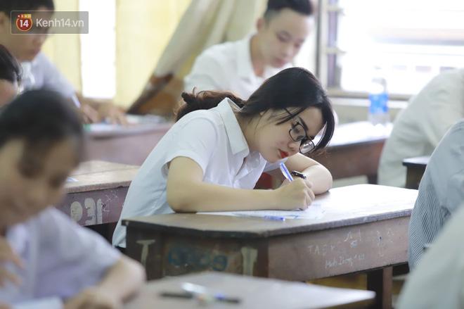 Thi cử căng thẳng là thế mà các nữ sinh Việt vẫn xinh xắn và rạng ngời trong nắng hè! - Ảnh 5.
