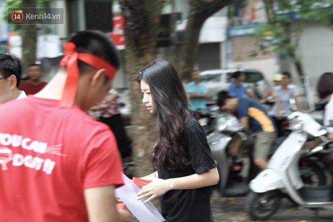 Thi cử căng thẳng là thế mà các nữ sinh Việt vẫn xinh xắn và rạng ngời trong nắng hè! - Ảnh 7.