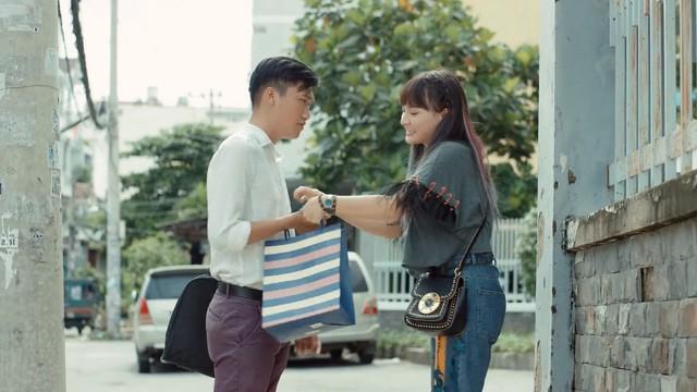 Lộ diện cô bạn gái xinh đẹp của chàng cảnh sát Mr. Cần Trô phim Ngày ấy mình đã yêu đang gây sốt mạng  - Ảnh 3.