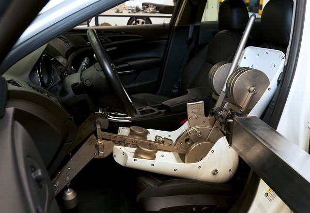 Ghế xe hơi được sản xuất kỳ công như thế nào? - Ảnh 3.