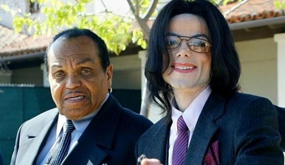 Cha ruột ông hoàng nhạc pop Michael Jackson qua đời vì ung thư - Ảnh 1.
