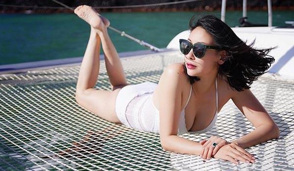 """Nhan sắc gợi cảm của Hoa hậu Việt Nam dám đóng cảnh """"nóng"""" - Ảnh 5."""