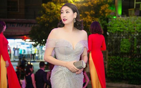 """Nhan sắc gợi cảm của Hoa hậu Việt Nam dám đóng cảnh """"nóng"""" - Ảnh 8."""