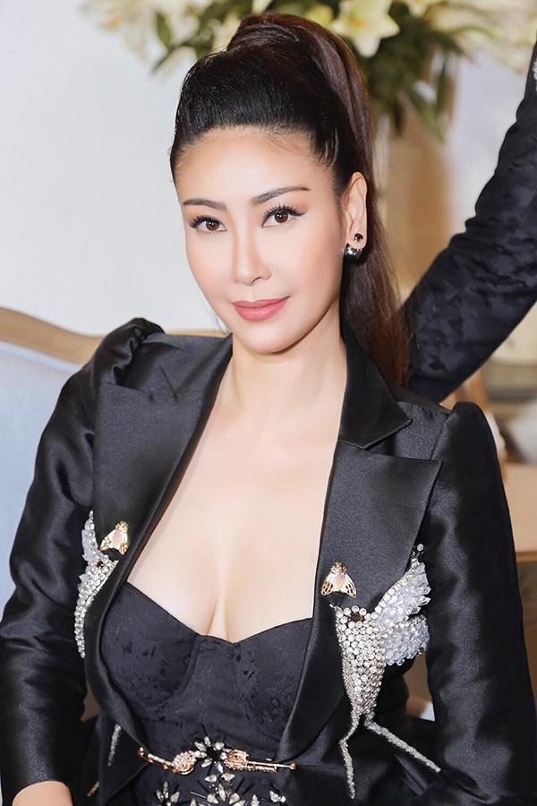 """Nhan sắc gợi cảm của Hoa hậu Việt Nam dám đóng cảnh """"nóng"""" - Ảnh 7."""