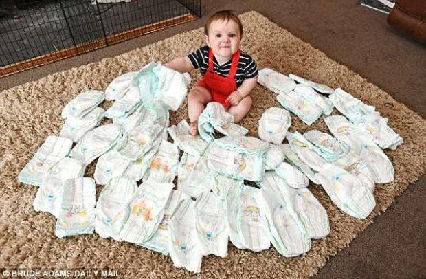 Choáng với sinh hoạt của gia đình đông con nhất nước Anh: 400 triệu mua tã, 15 triệu cắt tóc và nhiều chi phí khủng khác - Ảnh 2.