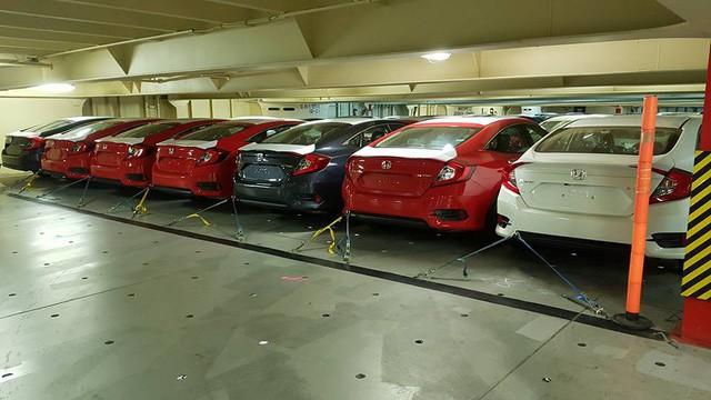 Tàu chở hàng nghìn xe nhập khẩu miễn thuế về Việt Nam, có cả hãng Honda, Chevrolet, xe Ford và hãng Nissan - Ảnh 2.