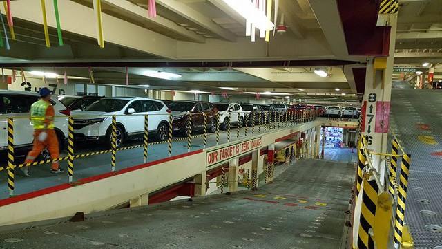 Tàu chở hàng nghìn xe nhập khẩu miễn thuế về Việt Nam, có cả hãng Honda, Chevrolet, xe Ford và hãng Nissan - Ảnh 3.