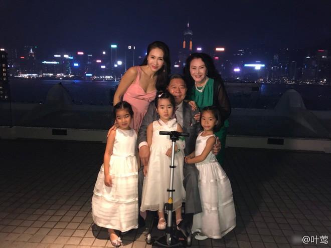 Dàn mỹ nhân Ỷ Thiên Đồ Long Ký TVB sau 18 năm: Chỉ 2 người có cuộc sống thập toàn thập mỹ, còn lại đánh mất hào quang chật vật sống qua ngày  - Ảnh 3.